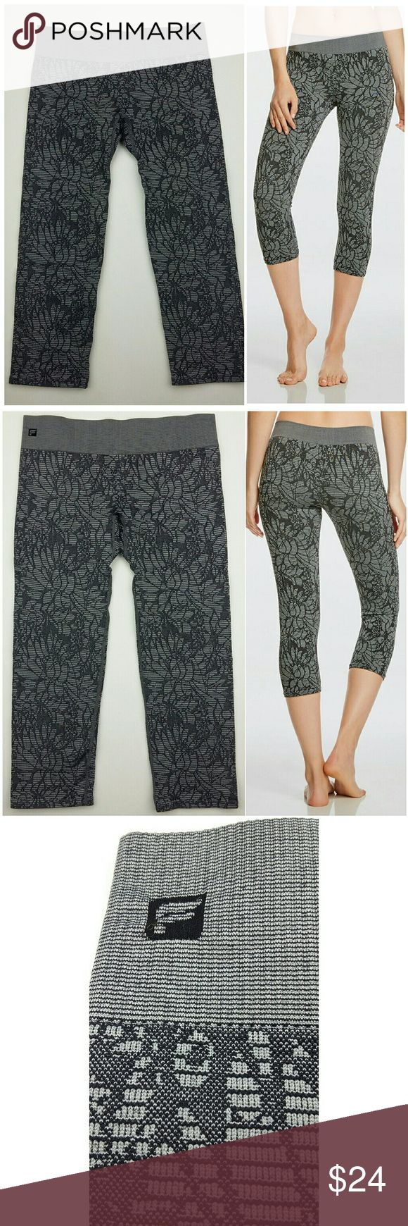"FABLETICS Sebastian seamless leggings floral S EUC, no stains, no rips, no holes, no piling, floral jacquard, 12"" waist, 6"" rise, 18"" inseam. Fabletics Pants Leggings"