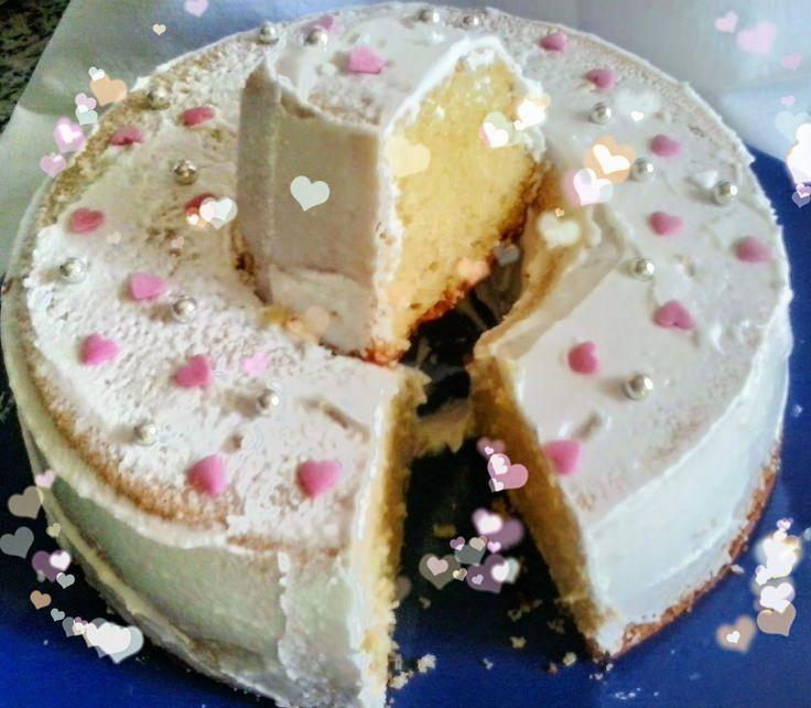 Mayvicake: Bizcocho de vainilla con glaseado y corazones