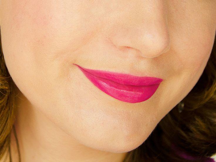 Laques à lèvres glossy - Color Elixir Fuchsia Flouris (Gemey-Maybelline) #blog #beaute #maquillage #makeup #levres #laque #glossy #colorelixir #gemey #maybelline #fuchsia #fuchsiaflouris #swatch http://mamzelleboom.com/2014/10/07/color-elixir-gemey-maybelline-laques-a-levres-ou-gloss/