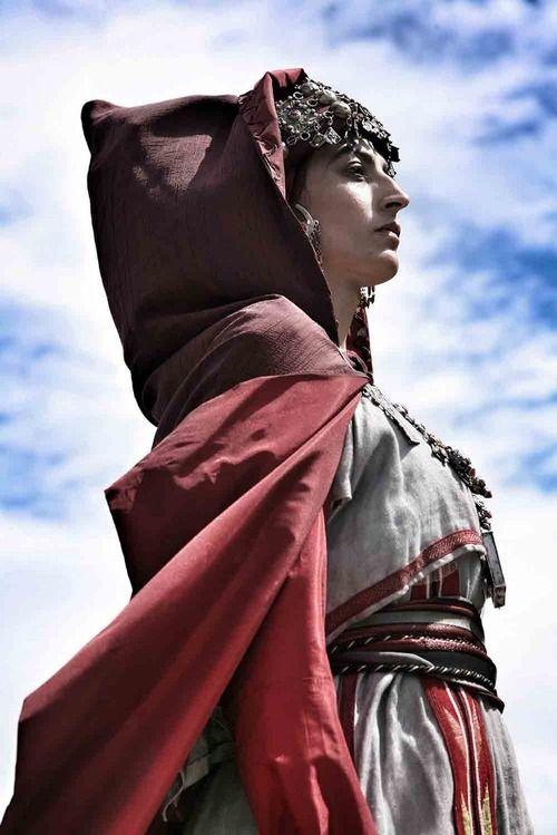 Laetitia Eido in the role of Llla Fadhma N' Soumer Amazighhéroïneof kabylia