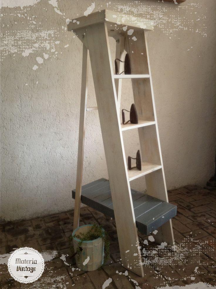 Escalera exhibidor modelo juan accesorios vintage for Escalera madera portatil