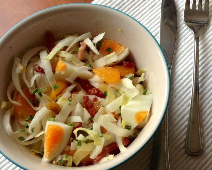 Witlofsalade met mandarijnen en spekjes