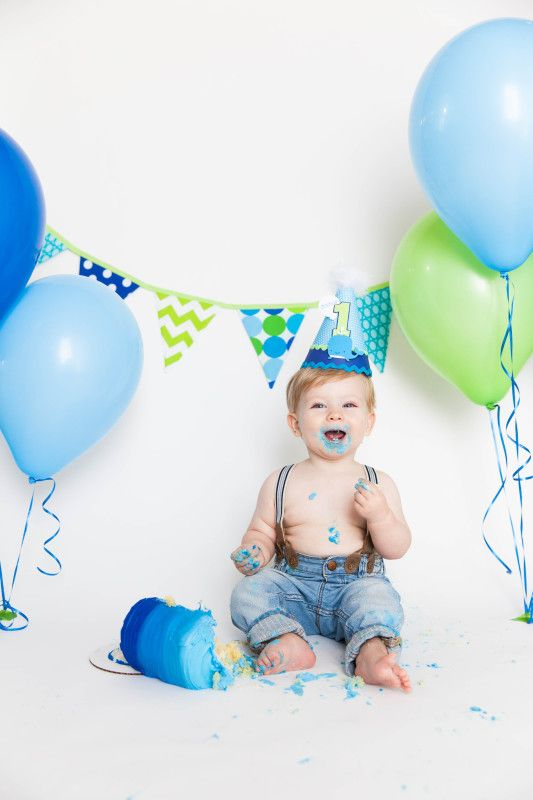 Great list of photography tips for shooting baby's first birthday / cake smash photos from @Handmade