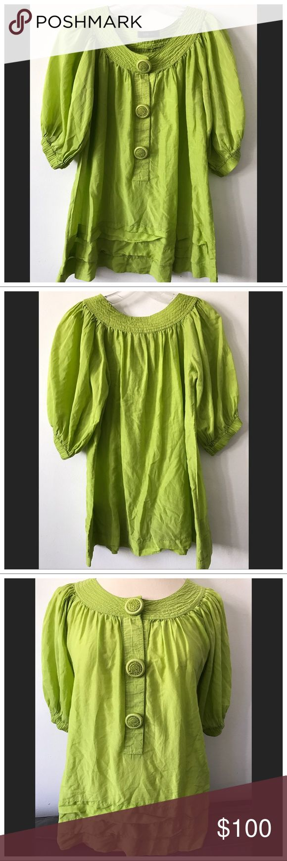 Anna Sui Cotton Voile Peasant Top Size 6 Excellent condition Anna Sui cotton voile peasant top in a bright beautiful light green. Size 6. Tiered ruffles accent this oversized embroidered button decorated Blouse, with blouson elastic sleeves and an easy Boho silhouette. Perfect condition with no flaws! Anna Sui Tops Blouses