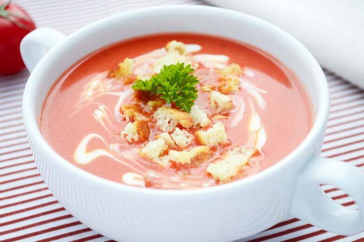 Verwöhnen Sie Ihre Lieben mit dem #Tomatencremesuppen Rezept.