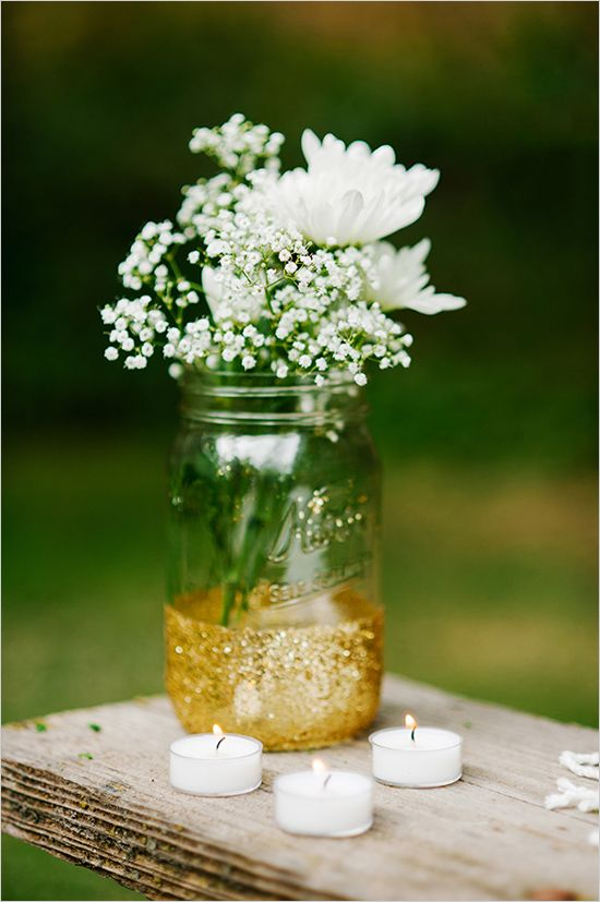 diy mason jar | bridal shower ideas | baby's breath ideas | picnic shower | #weddingchicks