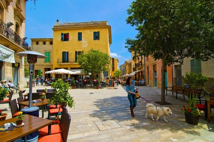 Mallorca Alcudia - Memories of wonderful family holidays keep me warm through the dark winter months. This was our destination last year.