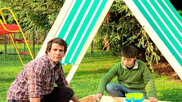 Cuando el buen tiempo lo permite no hay nada mejor para los niños que jugar en el exterior. Ya sea en un patio o jardín se puede tener un pozo, foso o cajón con arena, un lugar donde los niños pueden saltar, jugar con palas, baldes y ensuciarse como a ellos tanto les gusta. Pero en el exterior se corre el riesgo de insolación, sobre todo si pasan muchas horas jugando en el arenero, por eso además a este proyecto le agregaremos un techo, una estructura de tablas que asemeja una carpa para…
