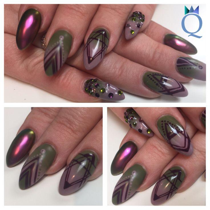 I love the new #akyado colors / ich liebe die neuen #akyado Farben #almondshape #gelnails #nails #green #lilac #ombre #purple #handpainted #design #mat #chameleon #pigment #mandelform #gelnägel #nägel #grün #lila #verlauf #violett #handgezeichnete #muster #chamäleon #pigment #matt #nagelstudio #möhlin #nailqueen_janine