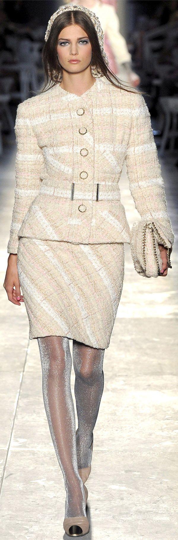 ✜ Chanel   Paris   Winter 2013 ✜ http://www.vogue.it/en/shows/show/haute-couture-fall-winter-2012/chanel
