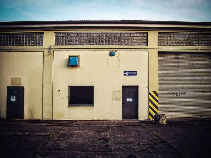 Kaserne am Limberg  #Osnabrück #Germany #architecture #door #building #street #urban #window #house #entrance #city #travel #traveling #visiting #instatravel #instago #wall #old #outdoors #garage #exterior #abandoned #warehouse #construction