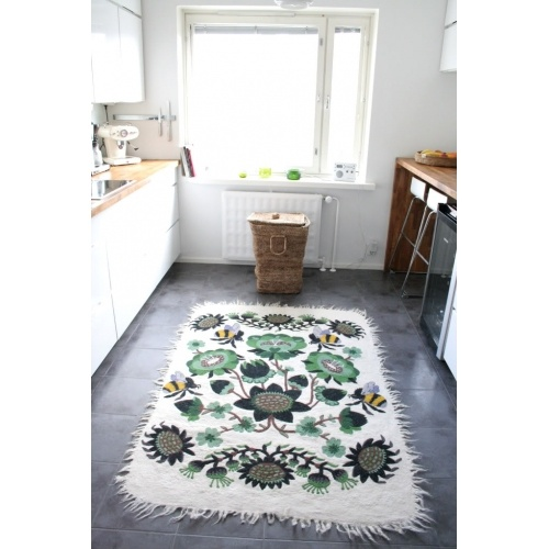 THIS RUG!!! (purple version would be nice too?) Bombroo | Klaus Haapaniemi for Tikau