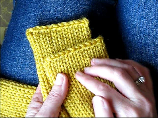 I love the double thickness of a tube scarf but getting the ends nice and neat is a challenge. I've finally found a solution I like and it can be done with knitting needles OR a crochet hook! If yo...