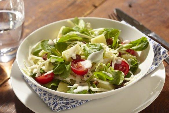 Op Verse Oogst heb ik dit heerlijke recept gevonden Knapperige salade met witte kool, appel en rozijn. Lijkt het je ook lekker, bekijk het recept op Verse Oogst!