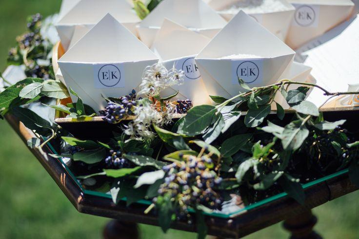 http://jonatanjan.cz, http://www.eventista.cz, http://ejvifreedom.com , #eventista #wedding # #czech #blogger  #cones #rice