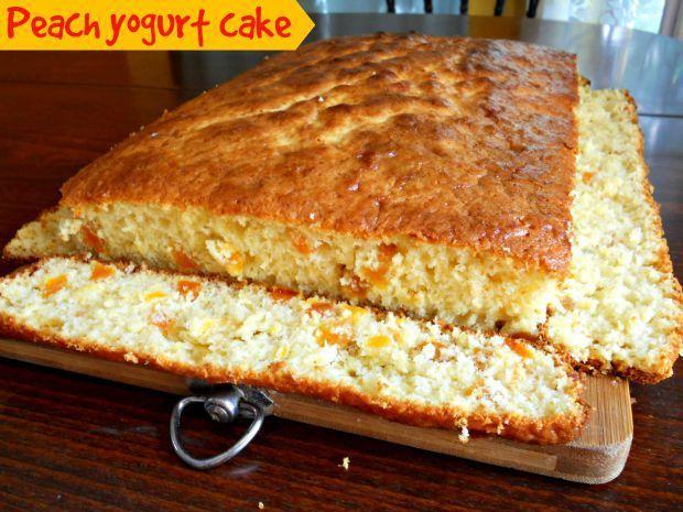 Peach yogurt cake - Anna Can Do It!