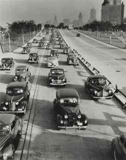 highway: Andreas Feininger, Car, 1940 S, Shore Drive, Lakeshore, Chicago 1944, Photo