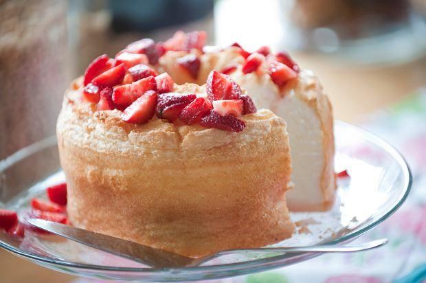 Anielskie ciasto (angel food cake)