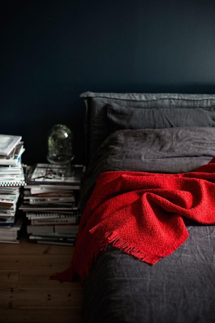 CORONA wool blanket. Woven by Lapuan Kankurit Finland. Design Marja Rautiainen.