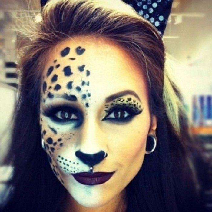 Coole Halloween Schminke als Katze. Noch mehr Ideen gibt es auf www.Spaaz.de
