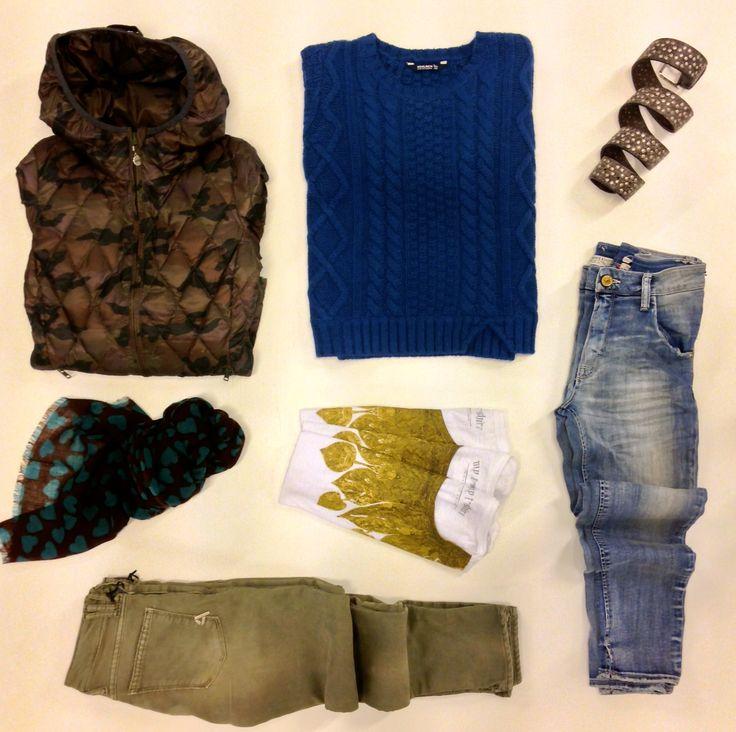 ASSEMBLAGE DONNA, dall'alto a sx, in senso orario: piumino ultralight BDP, maglia WOOLRICH, cintura ANDREA ZORI, jeans CYCLE, t-shirt MY T-SHIRT, jeans CYCLE, sciarpa ALTEA