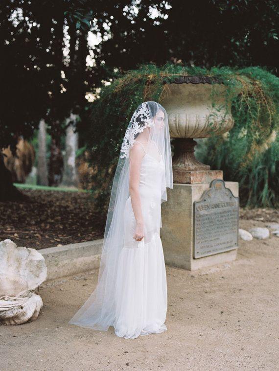 Sydney Veil Drop Ivory Lace Appliques By MarisolAparicio
