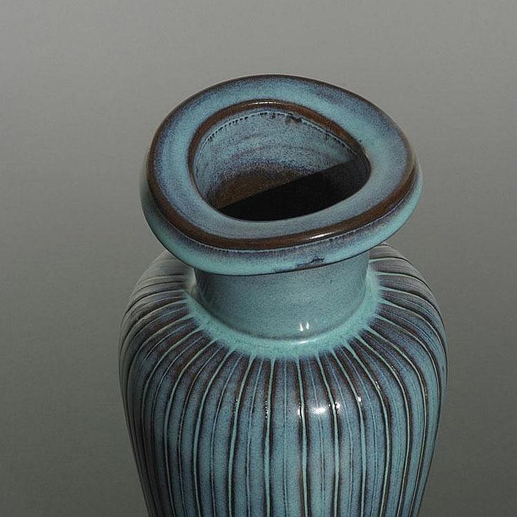 Wilhelm Kåge Farsta vase Gustavsberg Sweden, c. 1955 glazed earthenware 4.5 dia x 10.5 h inches Incised signature and studio mark to underside: [Kage Farsta Gustavsberg Studio].