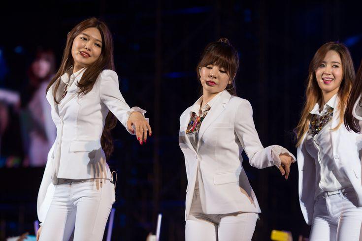 Top 40  Korean Girl Groups You Must Listen in 2016