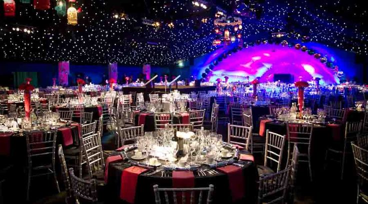 This huge purpose built entertaining venue has been created in the Artillery Garden at the HAC in London for corporate Christmas events and parties