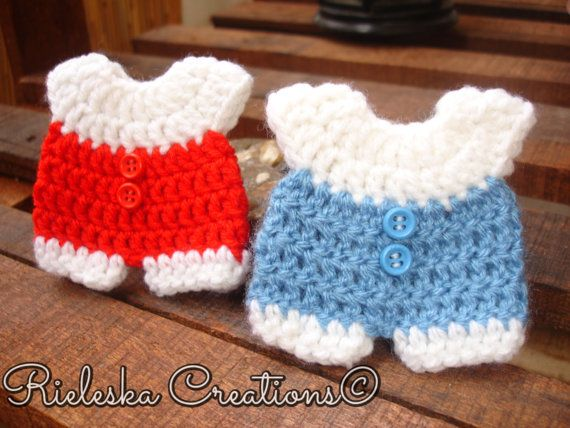 Crochet PDF pattern- baby onesie for baby shower/baby miniature size: 8 cm - 3,15 inches  Price is for the PATTERN only, not the finished product.  There
