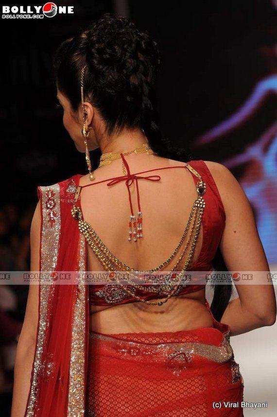 Isha Kopikar saree blouse design    saree blouse design