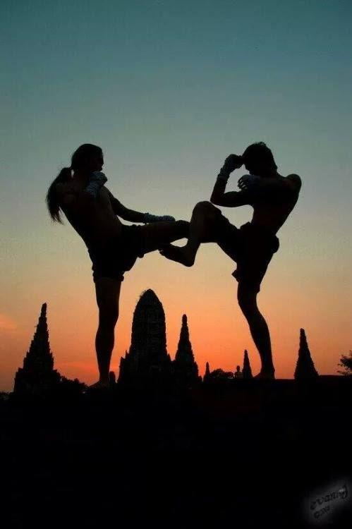 Silhouette Muay Thai