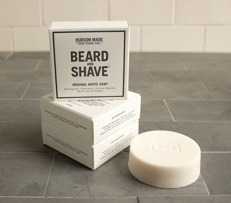Aussi bon pour les barbus que ceux qui préfèrent se raser de près, ce savon génère une mousse épaisse parfaite pour le nettoyage en profondeur de la barbe ou...