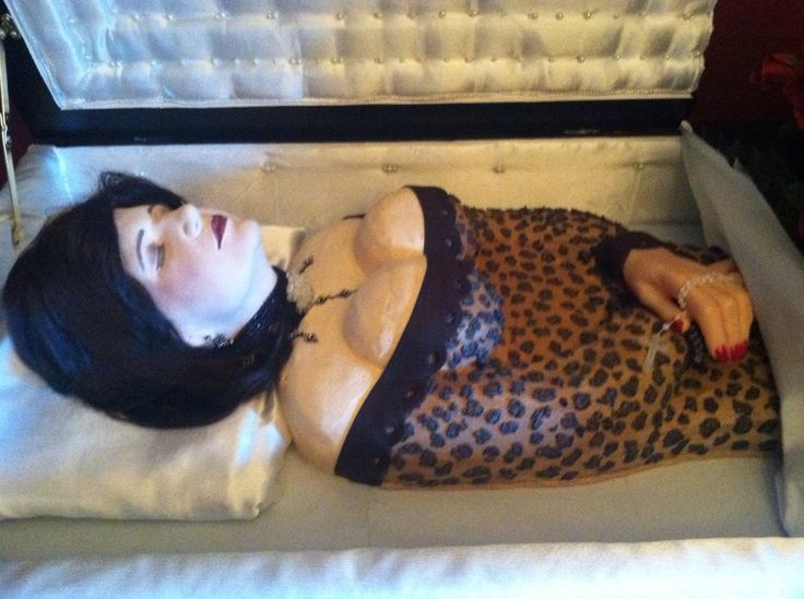 Body Shaped Cake In A Coffin 40th Birthday Cakes