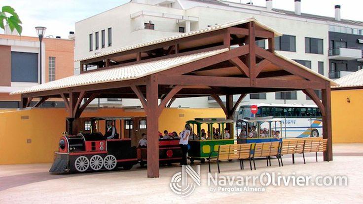 Estructura de madera a 2 aguas con lucenario  superior con cubierta de panel imitando teja, para Vialdea en Pobla de Vallbona. por www.navarrolivier.com