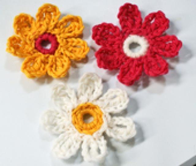 478 best Crochet flowers images on Pinterest | Crocheted flowers ...