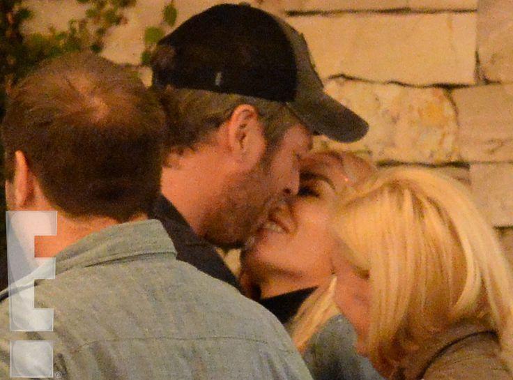 Blake Shelton Kisses Gwen Stefani and Grabs Her Booty on Romantic Night Out Gwen Stefani, Blake Shelton, Kissing, Exclusive