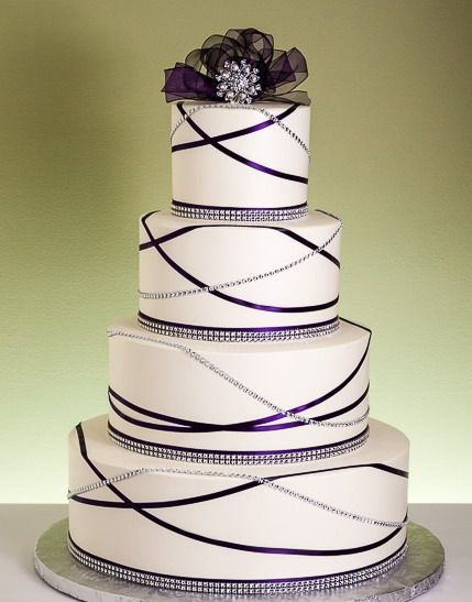 Garland bling wedding cake-Picture it with Magenta and Black instead of purple