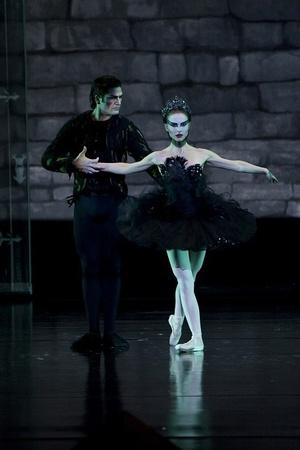 BALLET: os exercícios de Natalie Portman para se preparar para as filmagens de Cisne Negro | Chic
