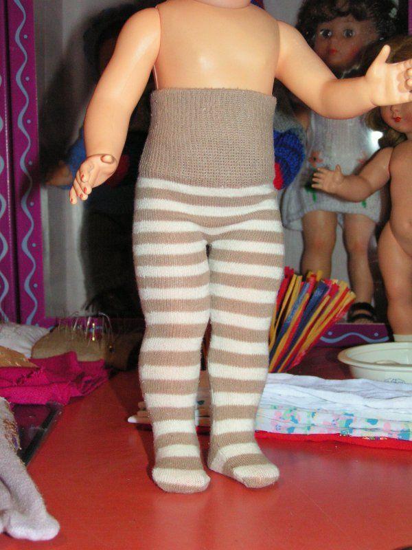 chaussettes recyclées en collants pour poupées