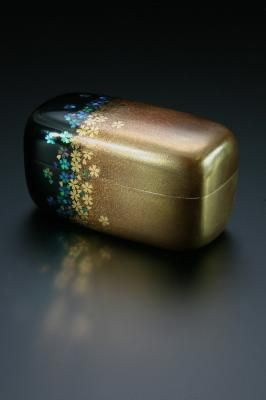 Cherry motif, gold lacquer, small box- Yamamura