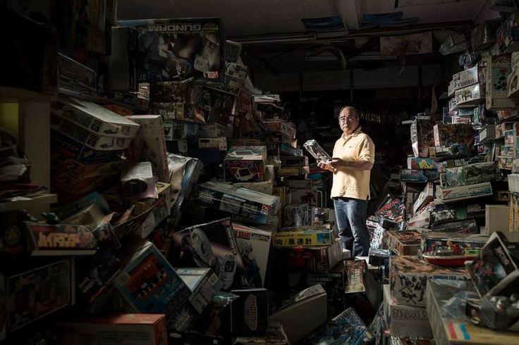 Ο Yuzo Mihara στο κατάστημα παιχνιδιών που είχε ανοίξει ο παππούς του πριν 70 χρόνια
