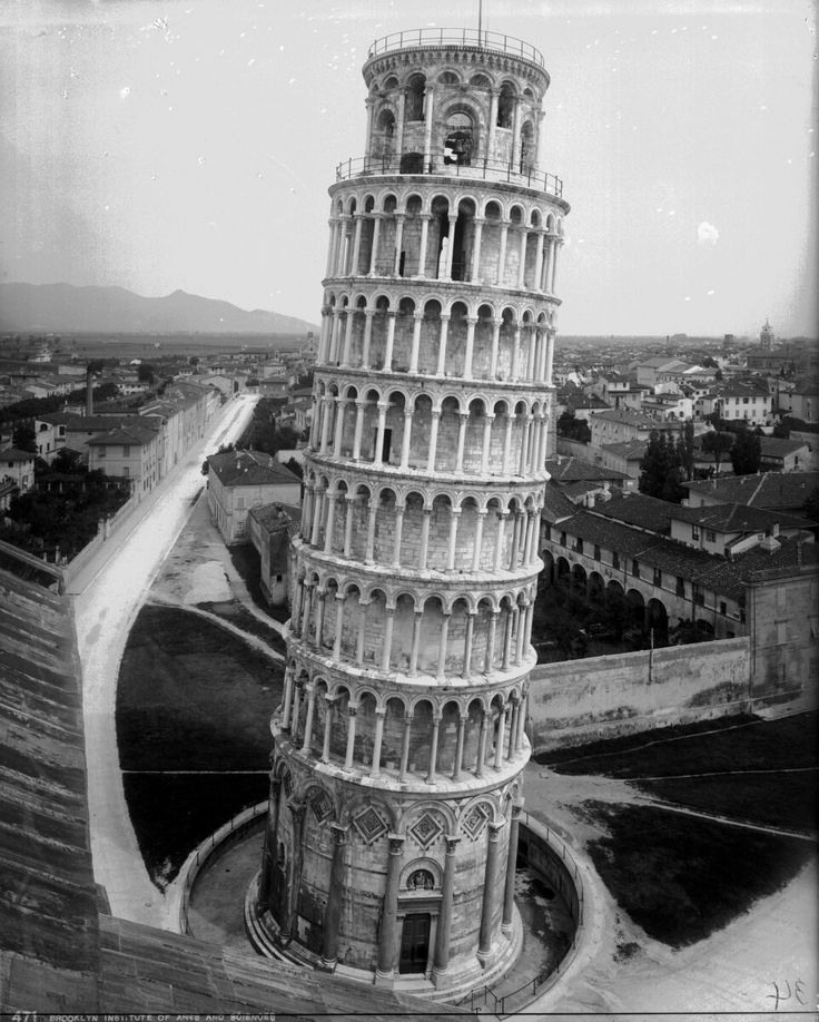 🌎──────────── The Leaning Tower of Pisa. Italy, 1895. 🇧🇷──────────── A Torre Inclinada de Pisa. Itália, 1895. 🇪🇸──────────── La Torre Inclinada de Pisa. Italia, 1895. 🇮🇷──────────── برج کج پیزا؛ ایتالیا؛ 1895  [ #hg_buildings | @historygram ]  〰〰〰〰〰〰〰〰
