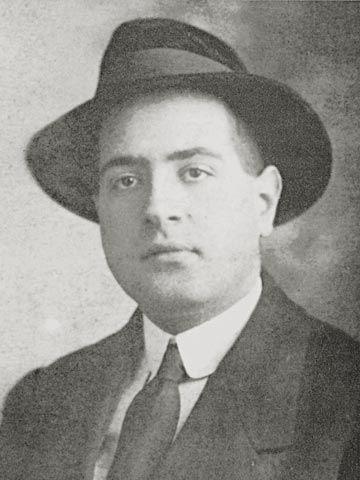 Mário de Sá-Carneiro (1890-1910) foi um poeta, contista e ficcionista português, um dos grandes expoentes do modernismo em Portugal e um dos mais reputados membros da Geração d'Orpheu.
