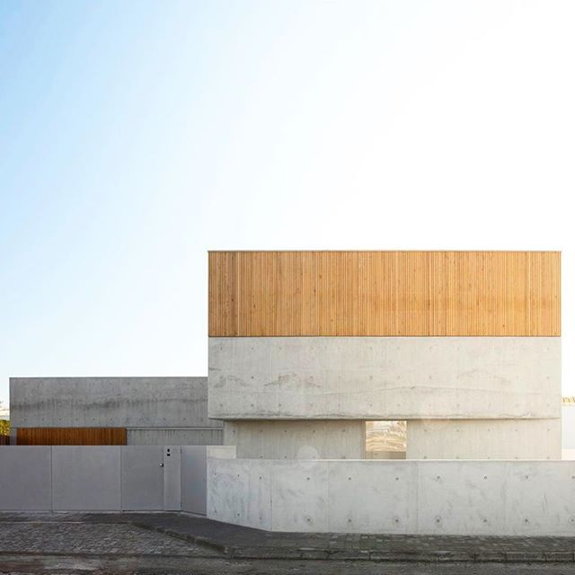 nu.ma @numa_arq designed the House in Avanca, a subtle study in concrete and wood that creates a quiet, dignified home/ Photographs by @ivotavaresstudio/ Discover the full project on Architizer.com  .  .  .  .  #architizer #architecture #numa #houseinavanca #portugal