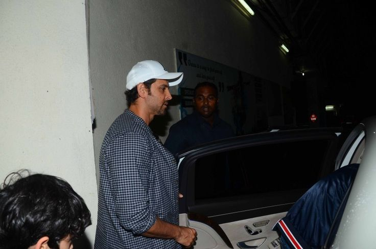 bollywoodmirchitadka: Hrithik Roshan and Sussanne Enjoy a Movie Outing w...