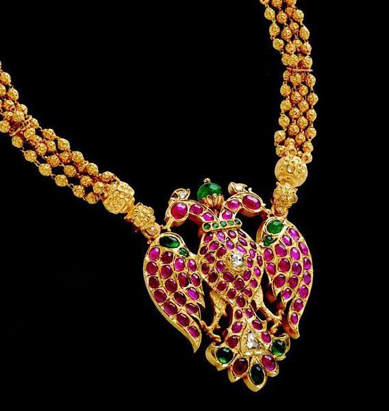 Mugappu and antique pendants-gold-pendants1-3-.jpg