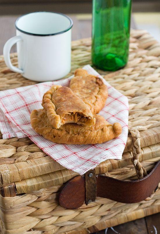 Receta de empanadillas caseras de bonito,con la masa de la empanada gallega!!!REALMENTE DELICIOSO...