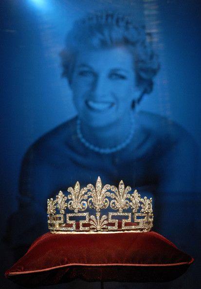 Princess Diana crown, she was beyond beautiful... so elegant