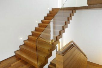 Best Glass Staircase Railing With Enclosed Stairs Really Like 640 x 480